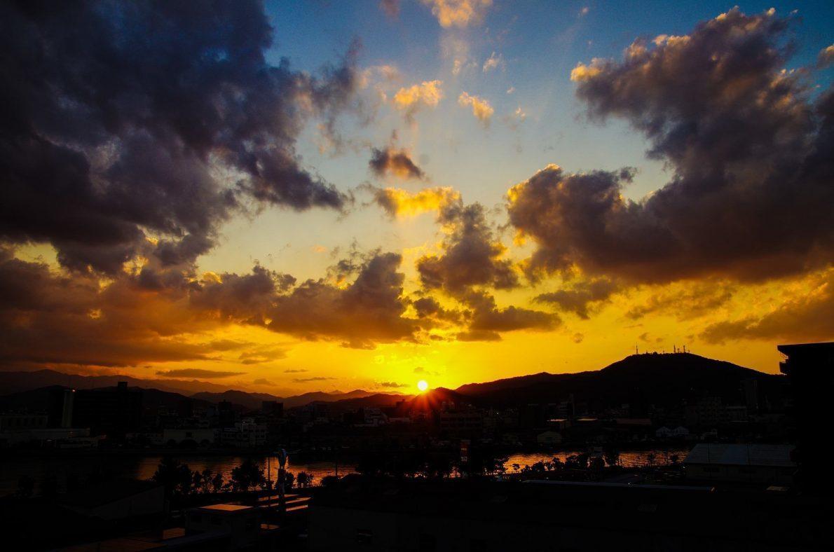 sunset-913350_1920